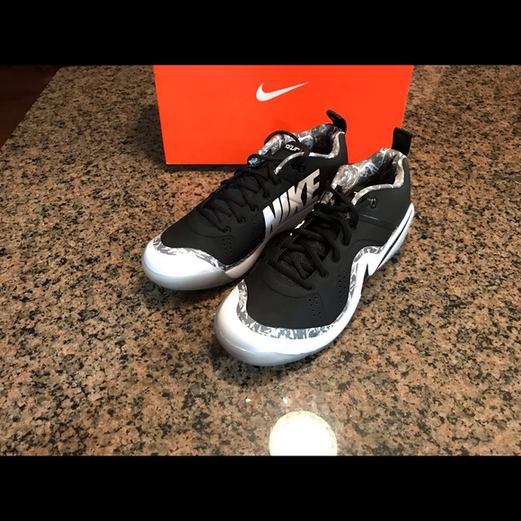 Nike Other - Nike Force Zoom Trout 4 Turf shoes 917838-001